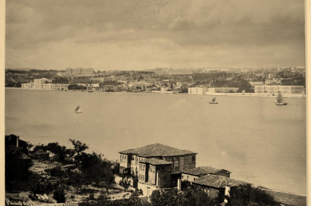 İstanbul Boğazına ait eski bir görüntü
