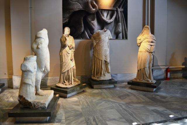 Magnesia ve Tralles heykelleri